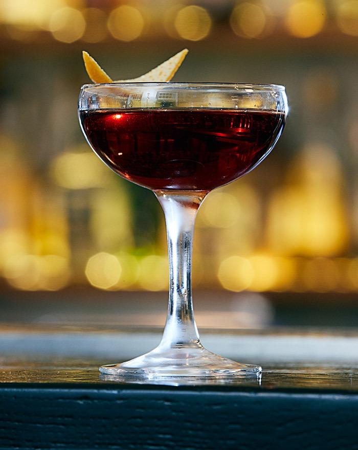 Prøv Bobby Burns cocktail med Stauning Whisky,som kan vække din indre poet